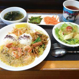 富山市内幸町にあるランチ居酒屋『yum-yum食堂』が8/17で1周年!!