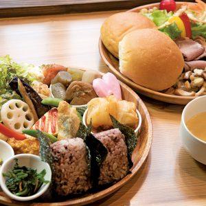富山の駅前にできた斬新かつオシャレな新しいカフェ‼︎